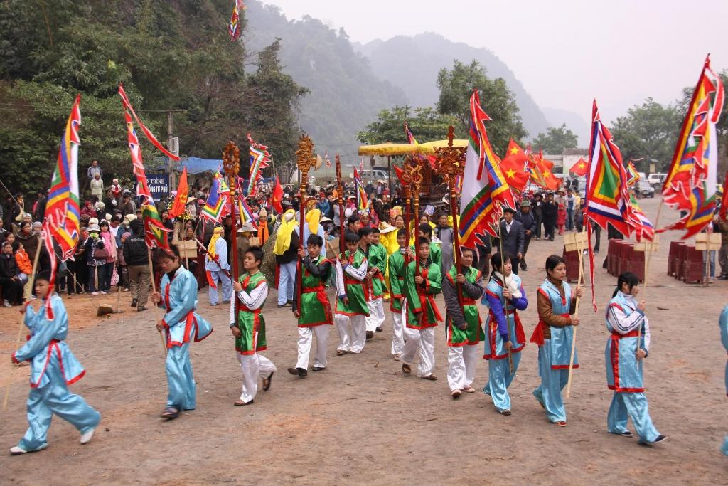 Lễ hội Chùa Tiên diễn ra hàng năm từ ngày 4 tháng Giêng