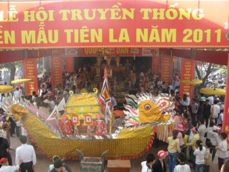 Lễ hội ở đền Tiên La