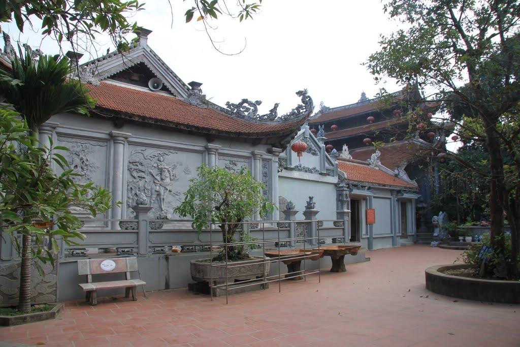 Đền Tiên La ở Thái Bình